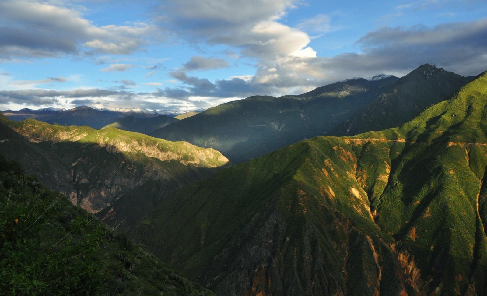 Lever de soleil sur le Canyon de Colca Canyon de Colca