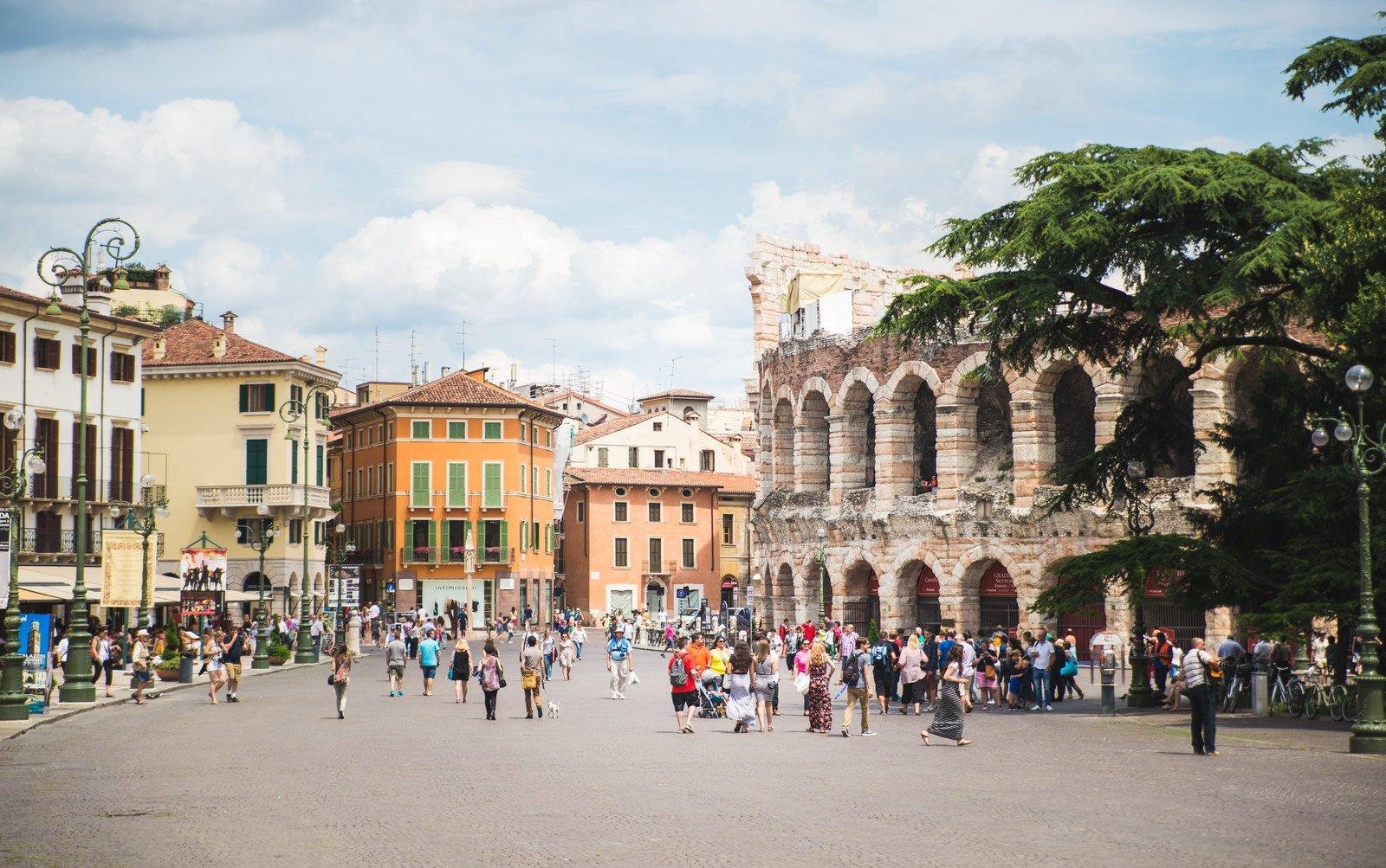 Visite de v rone et de vicence en v n tie - Piscine place d italie ...