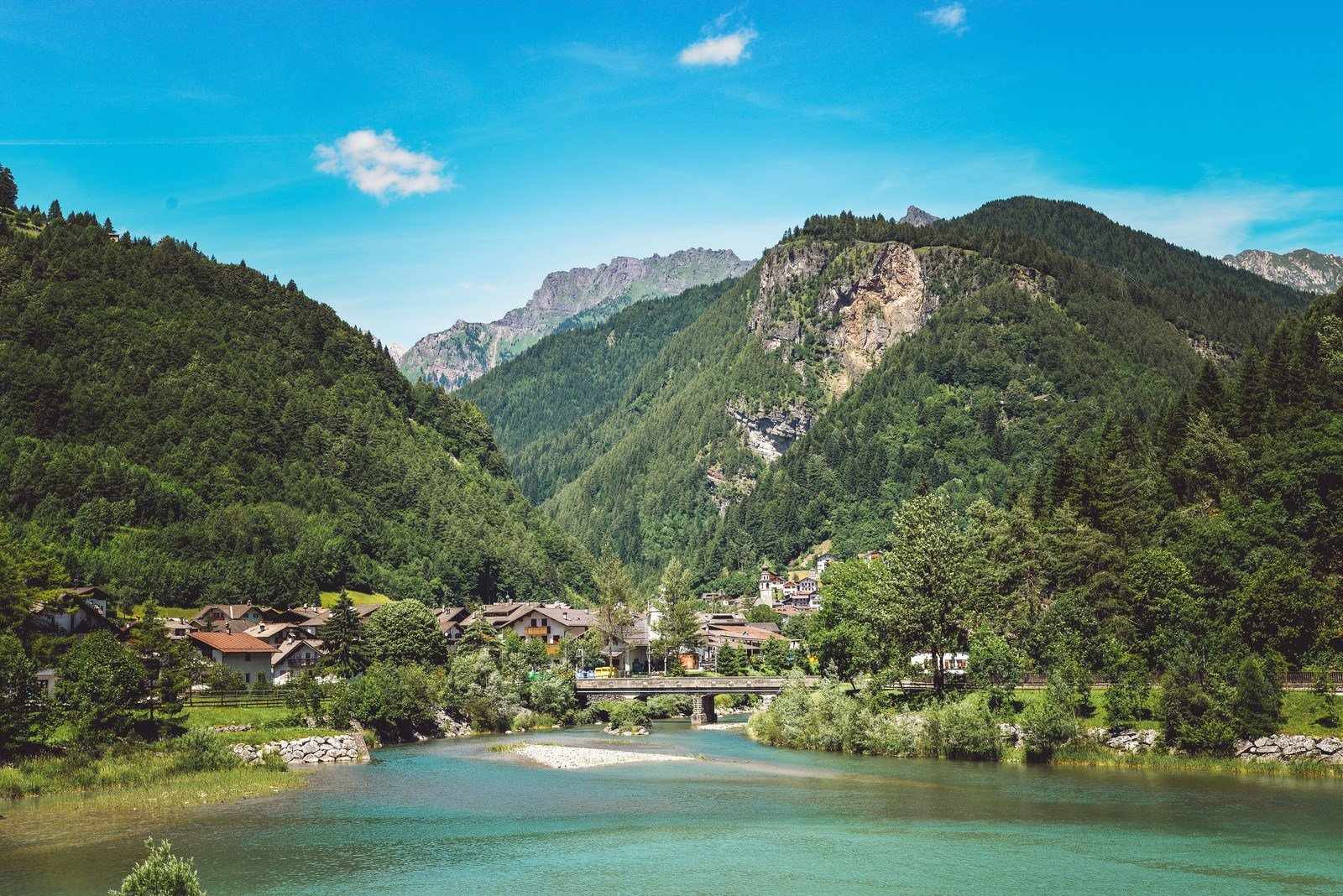 Lago del Ghirlo Dolomites