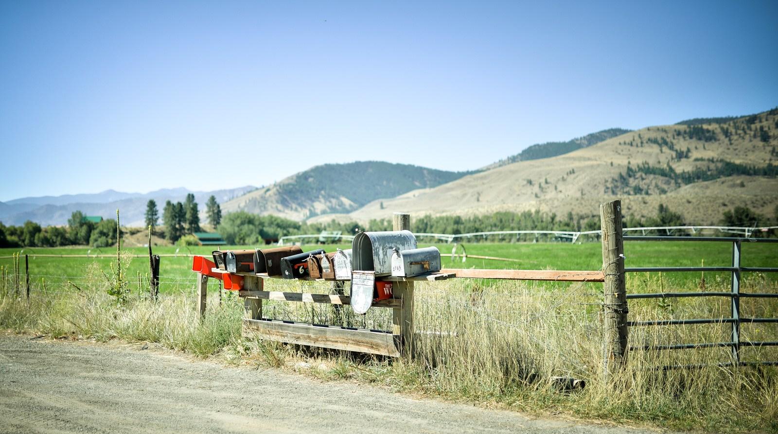 Jolies boites aux lettres sur la Methow Valley Highway Sur les routes
