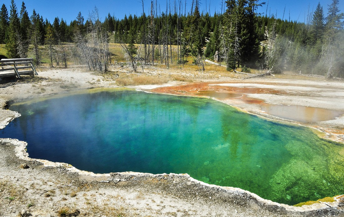Abyss Pool, West Thumb geyser basin