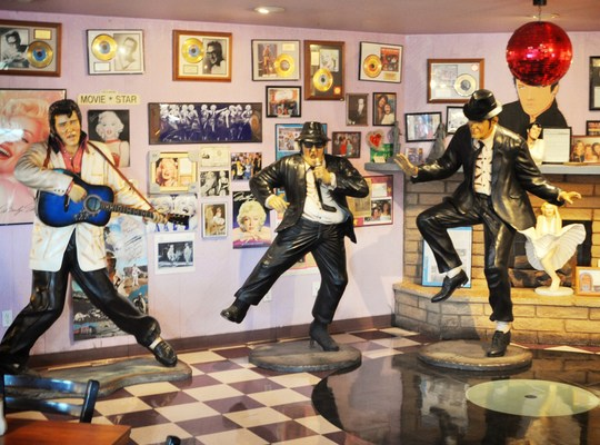 King & blues Brothers dans le Peggy Sues 50's Diner