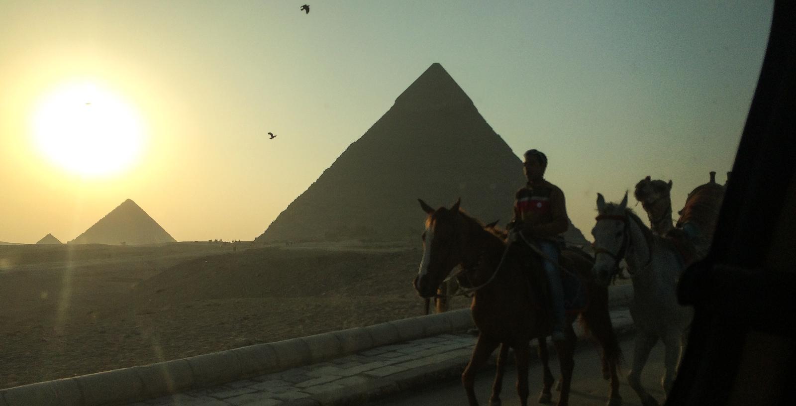 Les pyramides de Gizeh Pyramides de Gizeh