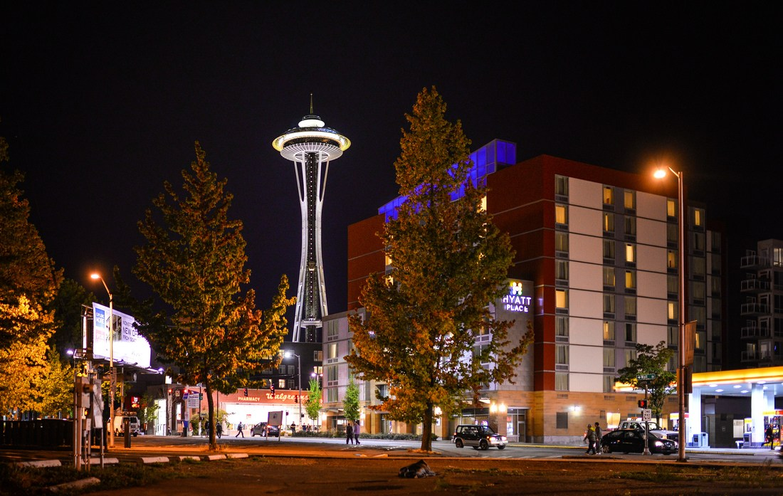 Space Needle de nuit