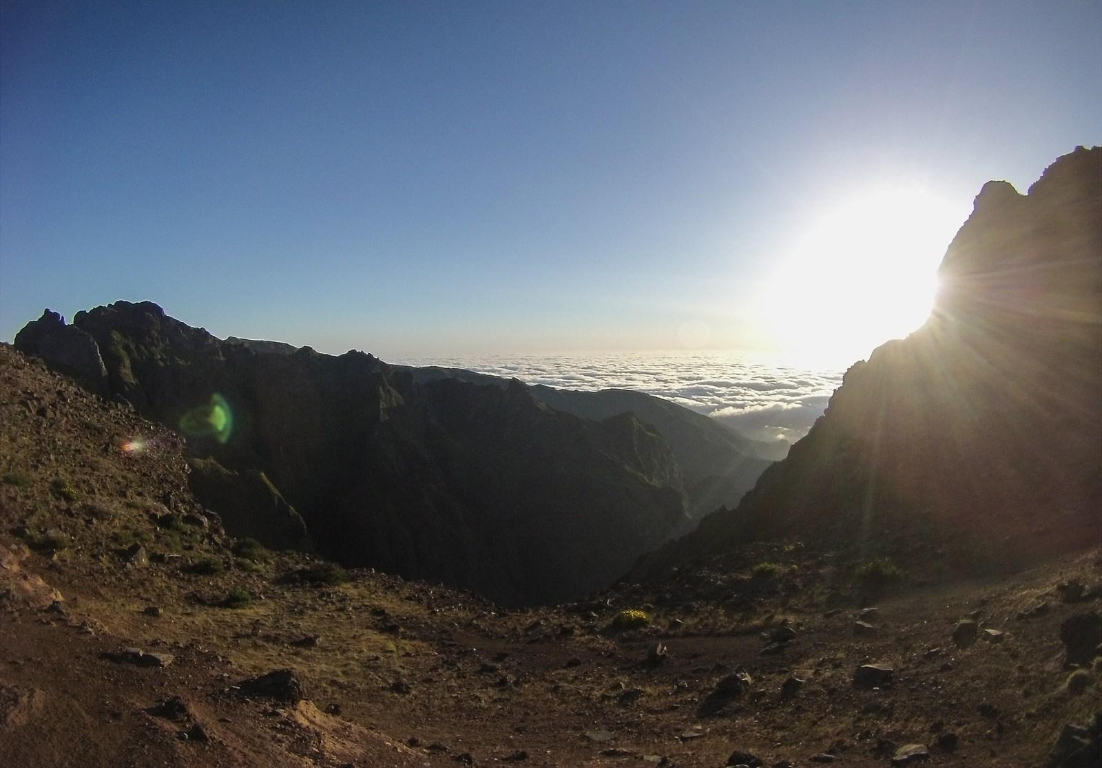 Soleil derrière les montagnes  Pico do Arieiro