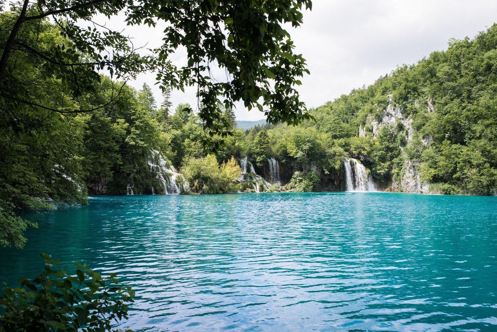 Cascades et eaux turquoise en Croatie Plitvice
