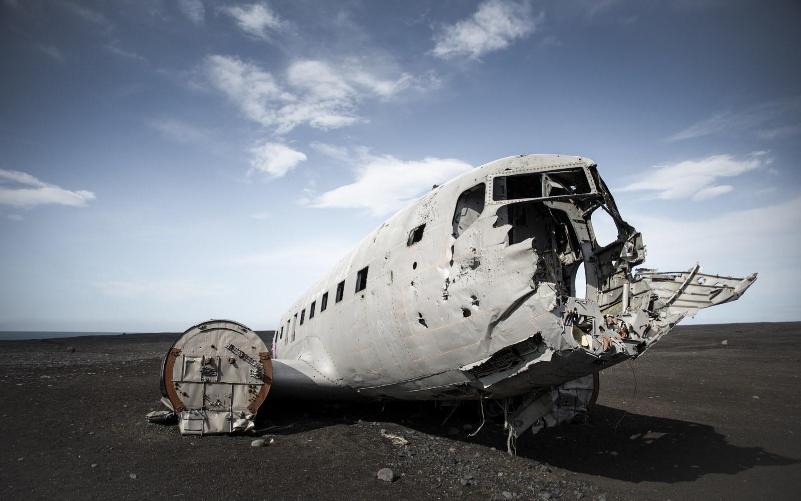 Carcasse de l'avion DC3 en Islande Solheimasandur