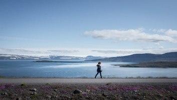 Seule au coeur des fjords