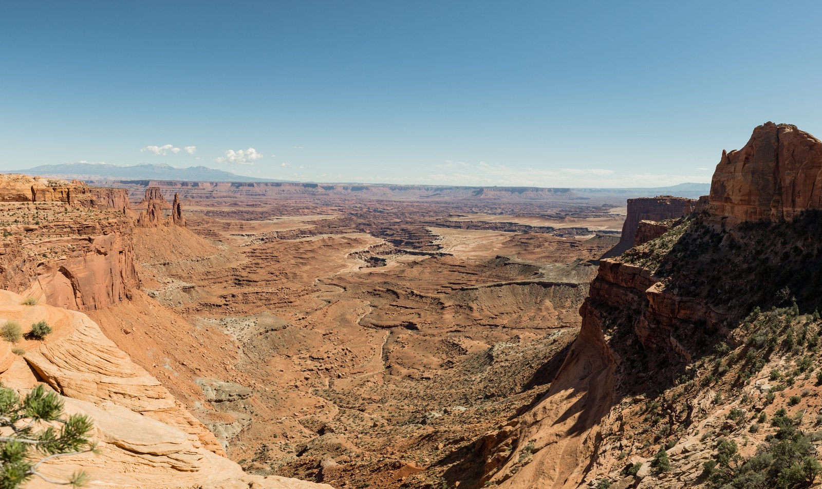 Mesa Arch viewpoint, Utah Canyonlands