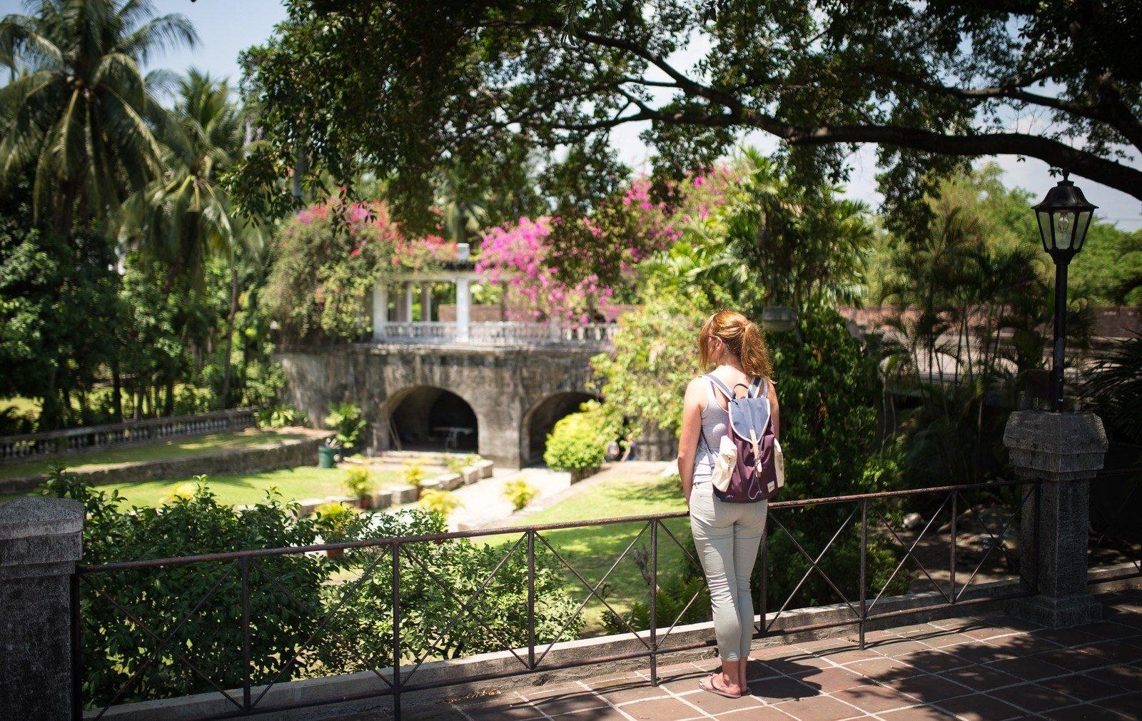 Visite des jardins d 39 intramuros manille manille aux for Visite de jardins en france