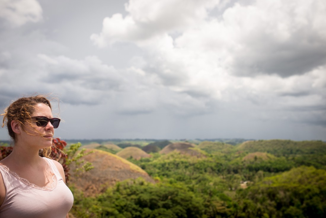 Manue devant Chocolate Hills