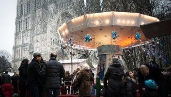 Carousel au pied de la cathedrale