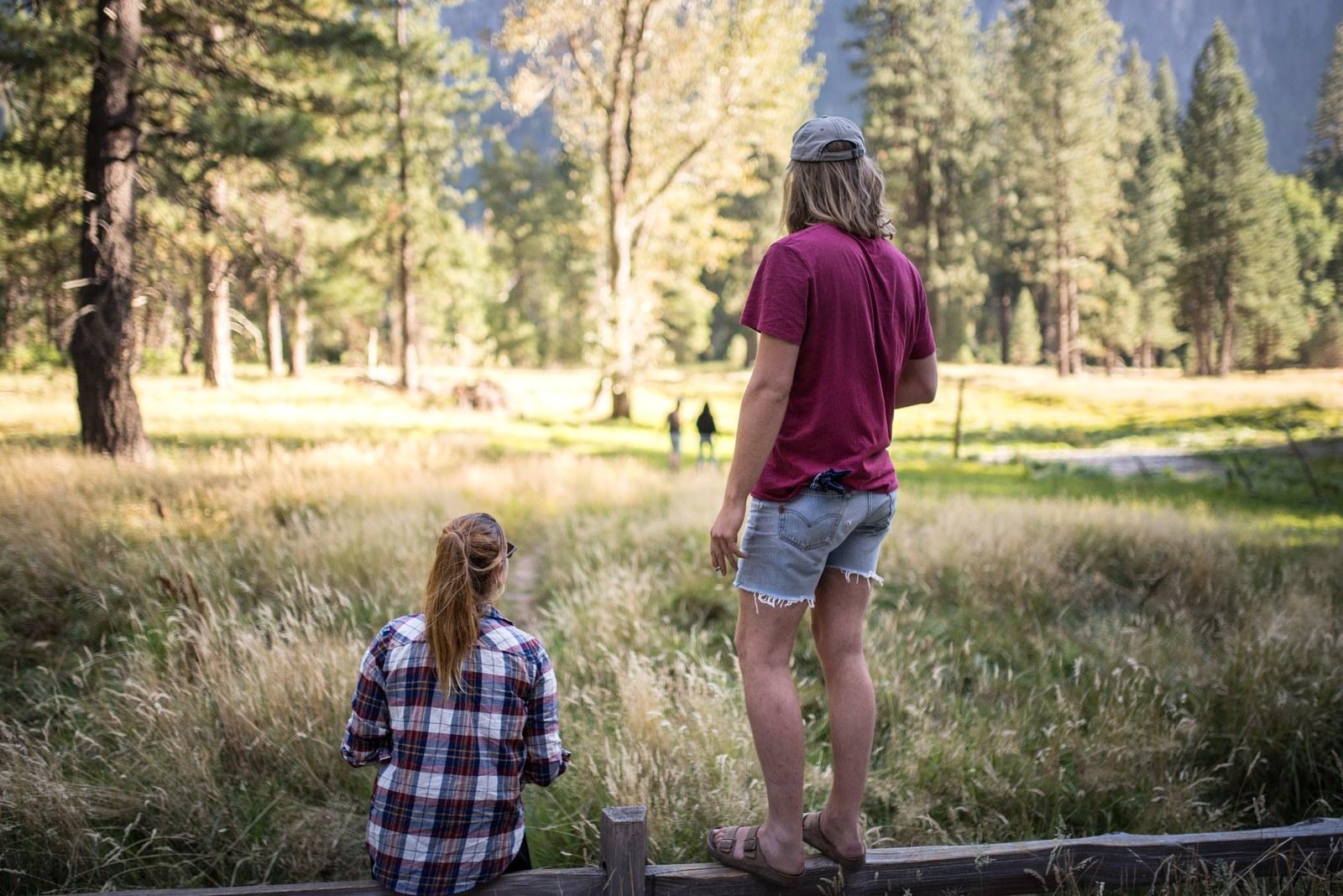 Manue et Richard dans la prairie de Yosemite Yosemite