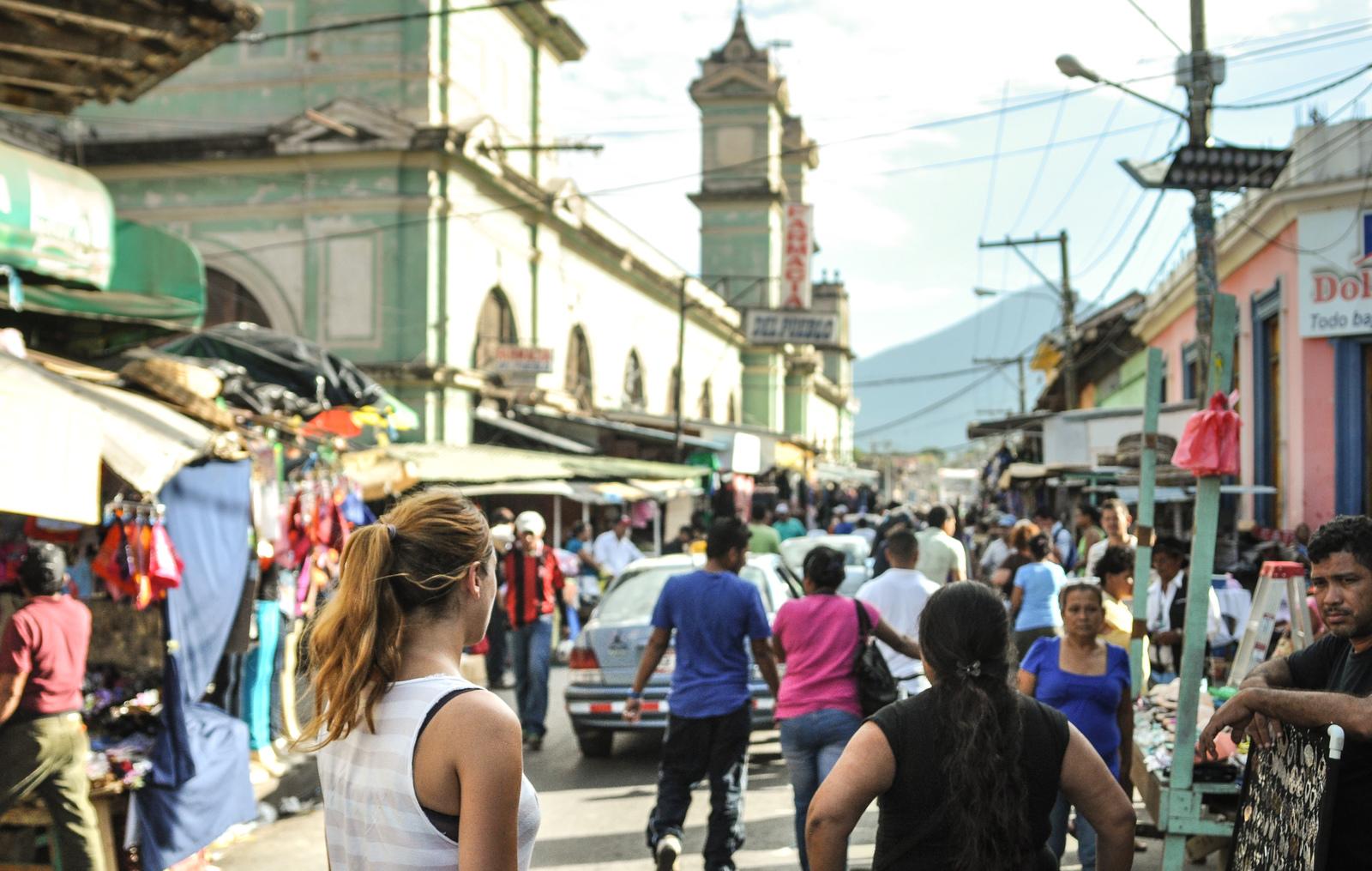 Dans la rue principale de Granada, Nicaragua Granada