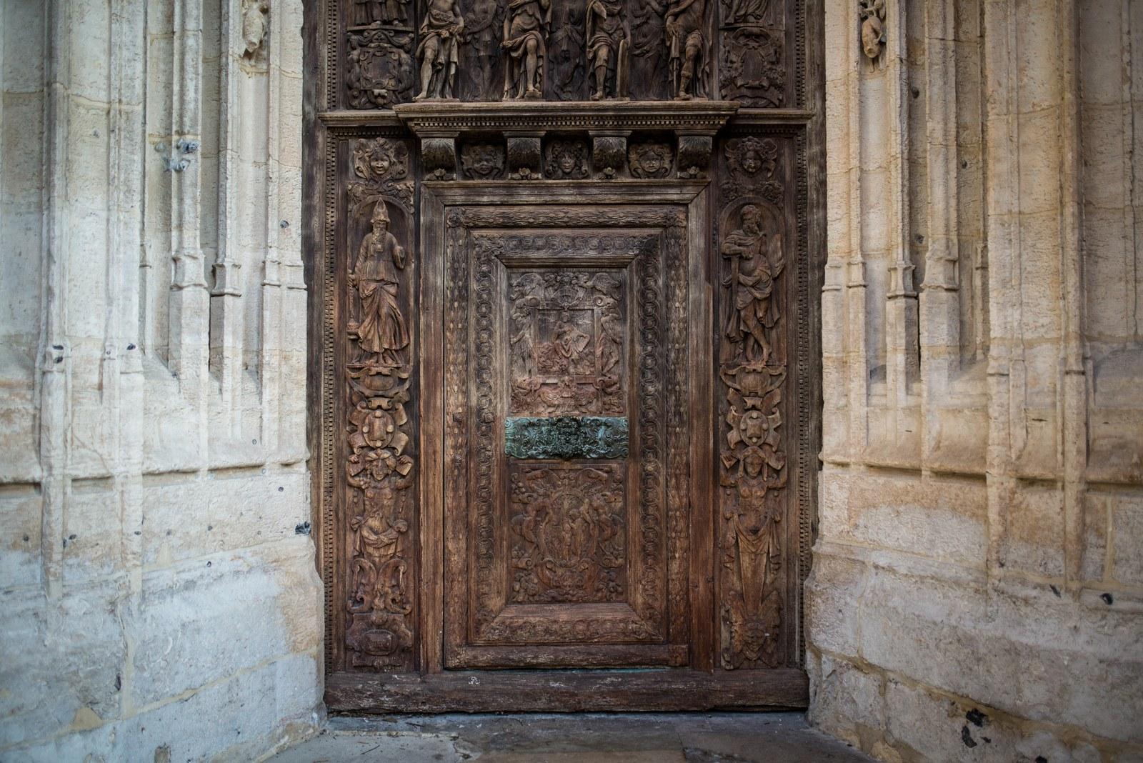 Saurez vous retrouver la gravure coquine ? Église Saint-Maclou