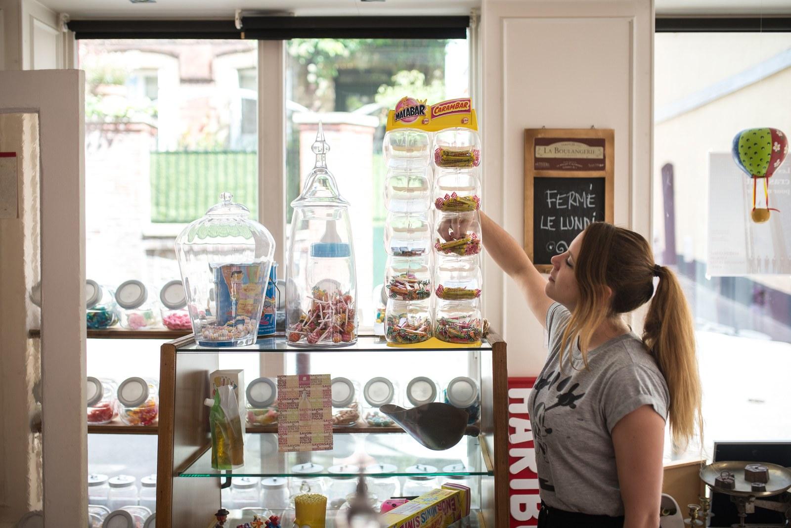 Prendre un bonbon à La Boulangerie  Rouen