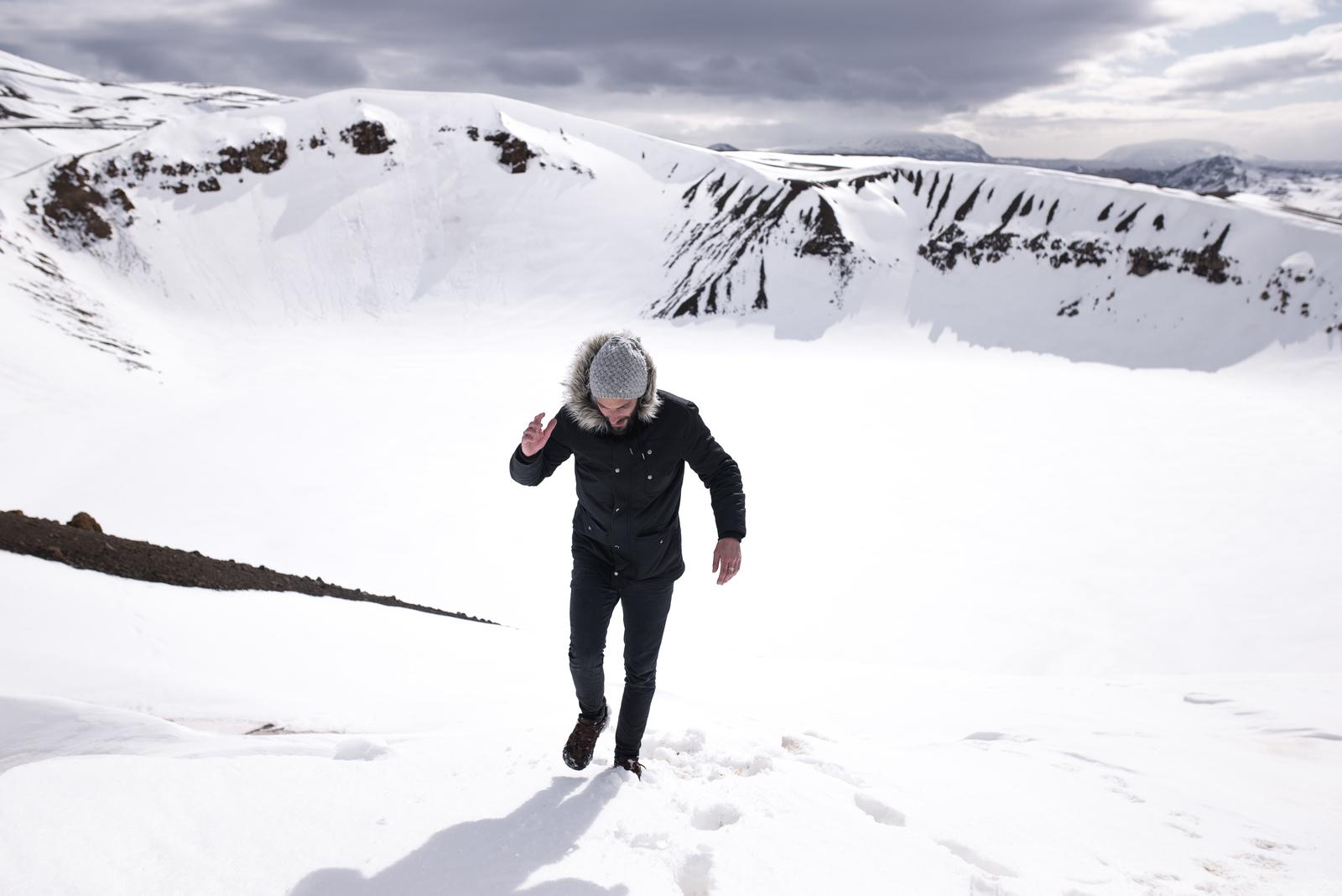 Seb devant le cratère Vite enneigé  Myvatn