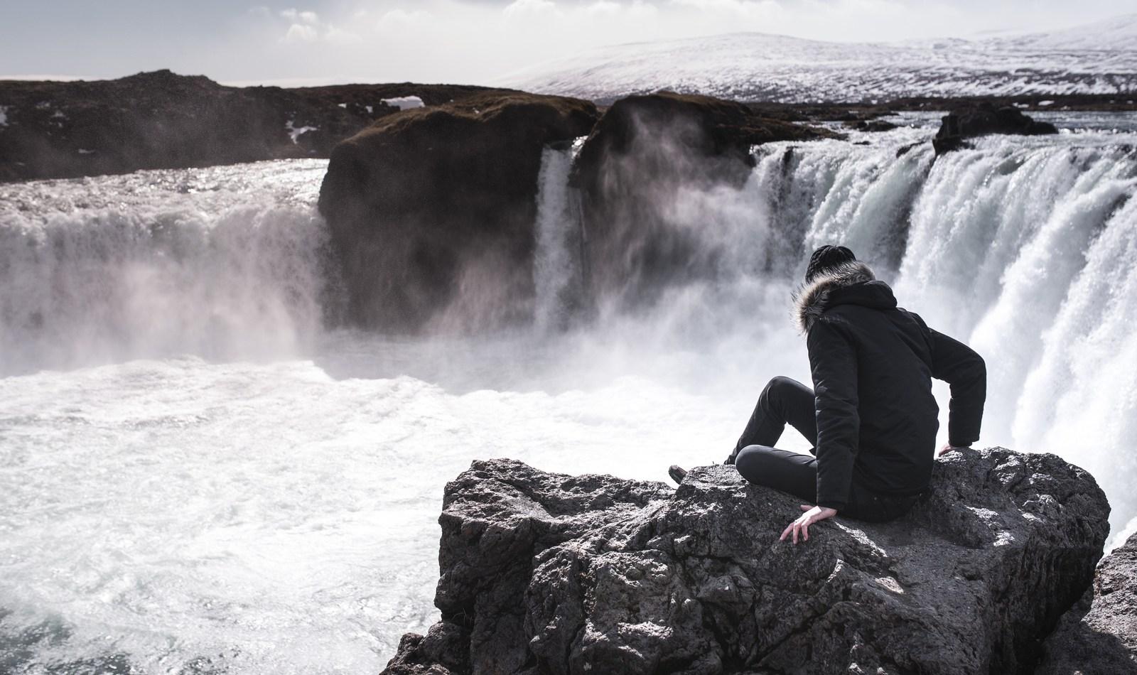 Seb à Goðafoss Goðafoss Waterfall