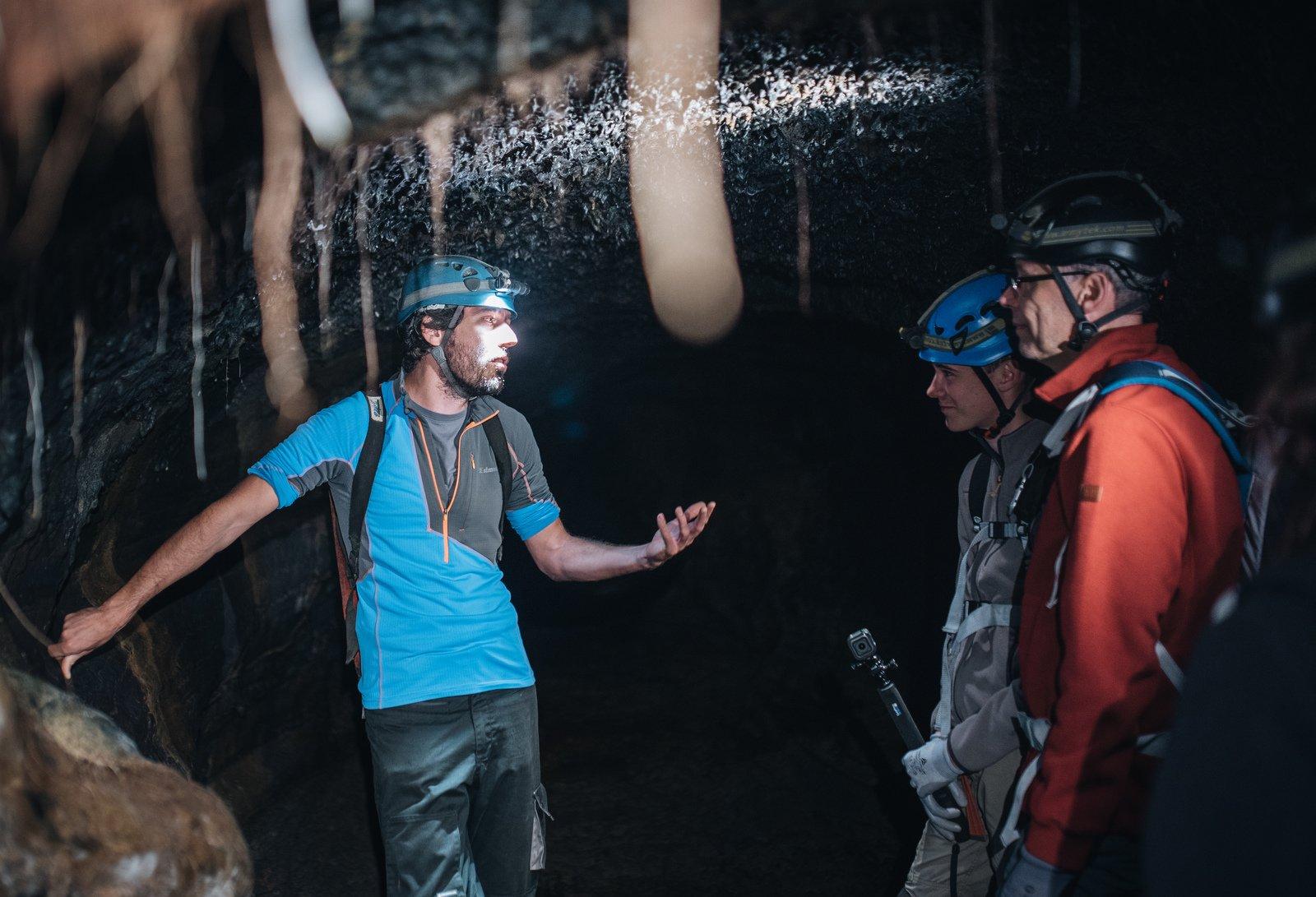 L'ambiance étonnante des tunnels de lave Saint Philippe