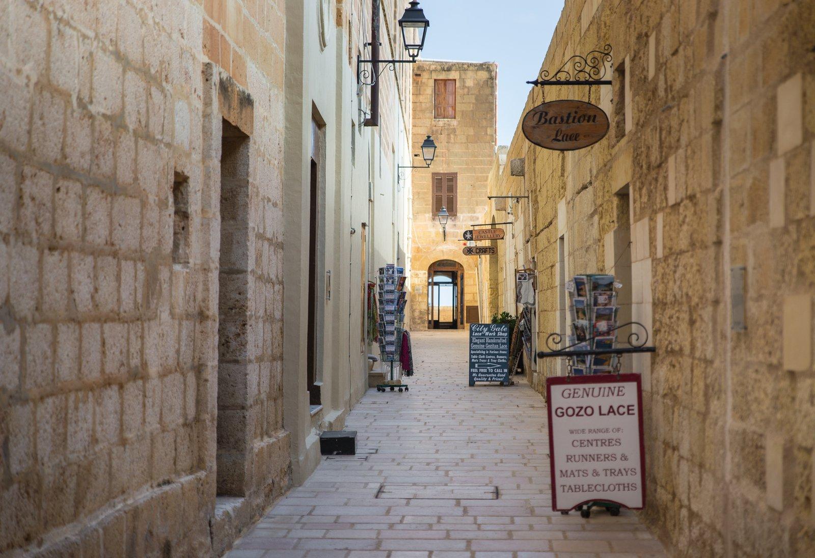 Dans les rues de Gozo Victoria