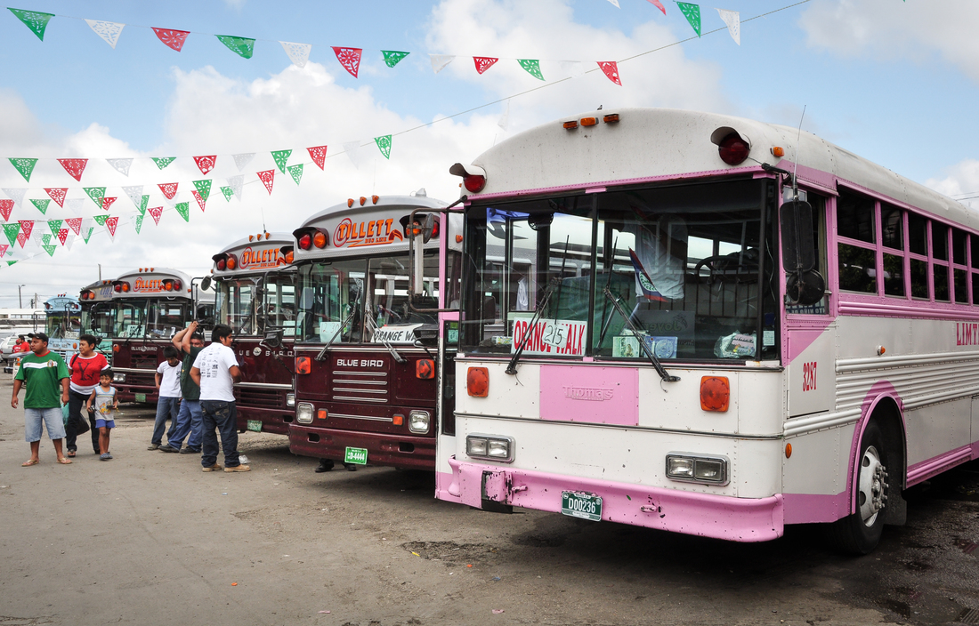 Les bus au Belize
