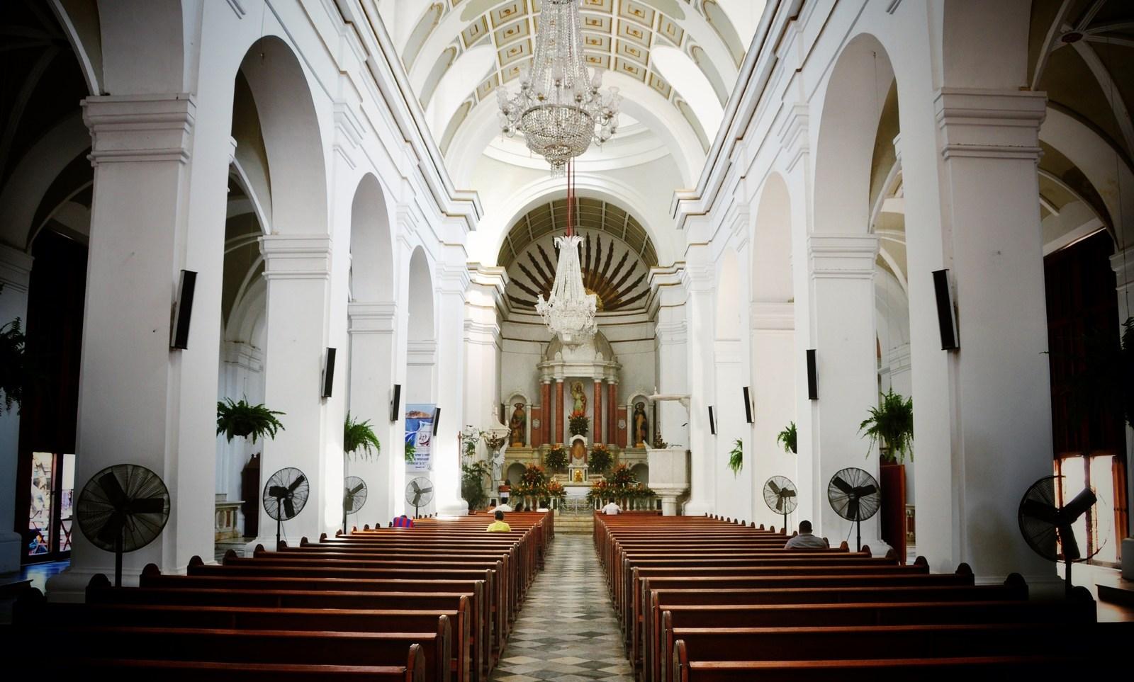 A l'intérieur de l'église, Santa Marta Santa Marta