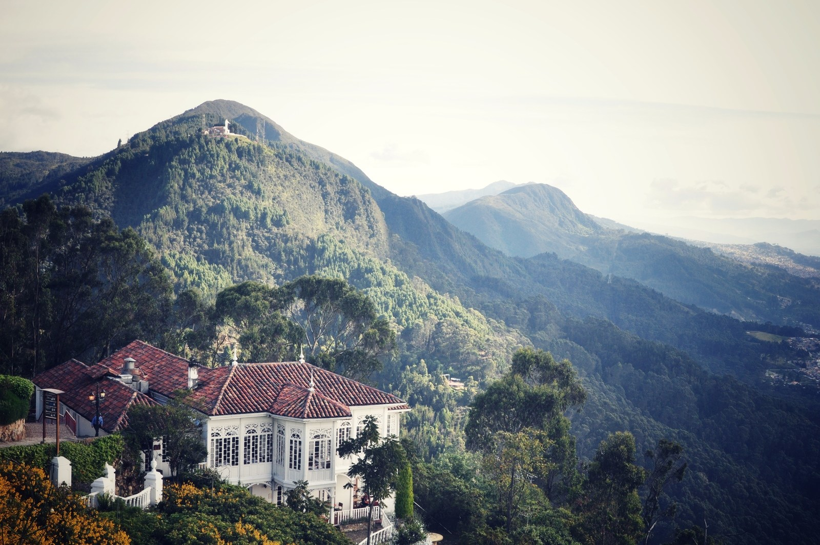 Montagnes, Monserrate, Bogota Cerro de Monserrate